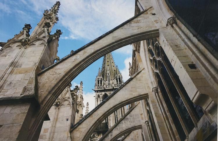 Restauration du clocher de l'Église Saint-Pierre à Caen