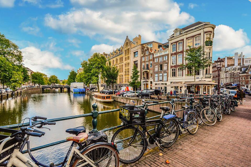 La ville d'Amsterdam et ses célèbre vélos